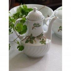 Bareuther porcelianinis arbatinukas, puoštas vynuogėjojais