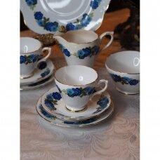 Mid century stiliaus, mėlynomis gėlėmis dekoruotas komplektas dviems