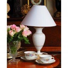 Porcelaine de Brussels porceliano, auksu dekoruota klasikinės formos lempa